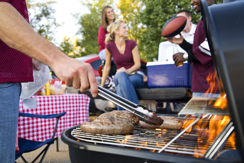 Thumbnail for 8 Low Carb Tips for a Successful Summer Cookout!